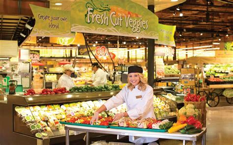lighted house 8 things shoppers should about wegmans