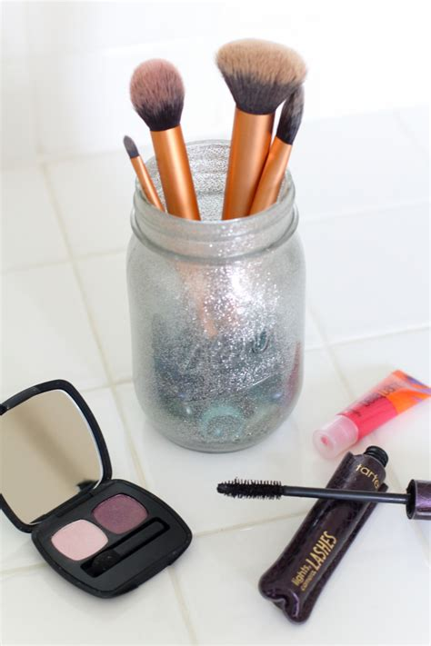 Diy Makeup Brush Holder And Makeup Must Haves Modish