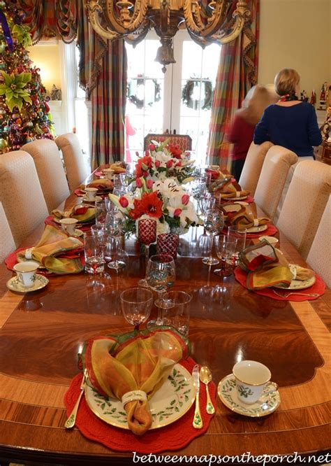 christmas table settings tablescapes   formal