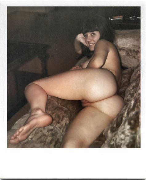 Polaroids Of Hot Wifes And Gfs 003 20 Pics