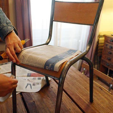 relooker chaise en bois rénover une chaise d écolier