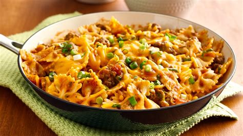 easy meals to cook with ground beef 15 ground beef recipes to make on the regular from pillsbury com