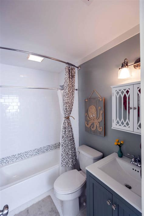 Makeovers For Small Bathrooms by After Flip After The Makeover The Space Looks