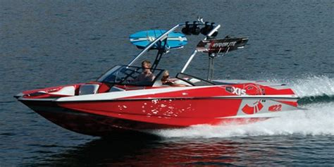 Axis Boats Alberta by 2010 Malibu Axis 22 Buyers Guide Boattest Ca
