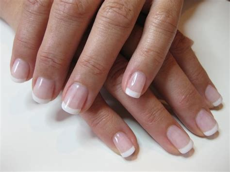 Acrylic Nails Vs. Gel Nails