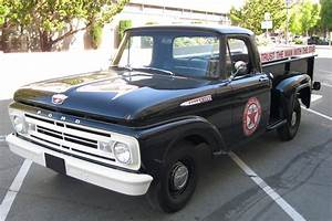 1962 Ford F-100 Pick Up