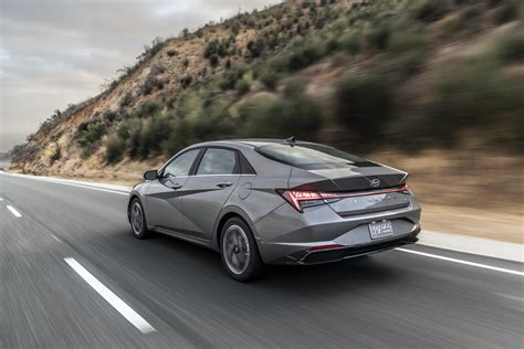 First drive evaluate: 2021 Hyundai Elantra Hybrid is a 54 ...