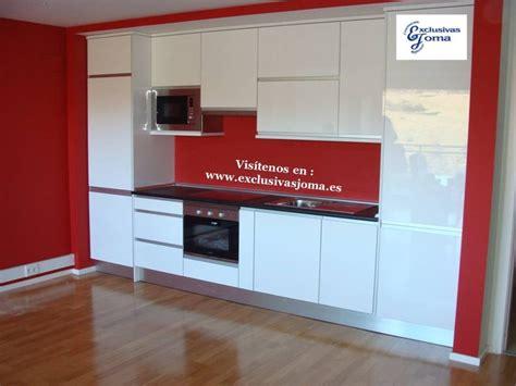 muebles de cocina en blanco alto brillo luxe  canto en