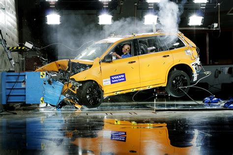 volvo xc crash tests show excellent safety