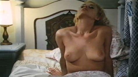 Naked Sybil Danning In Urlaubsreport Worüber Reiseleiter