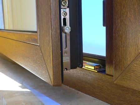 Waermebruecken Die Groessten Schwachstellen Am Haus by Was Ist Besser Kunststofffenster Oder Holzfenster E