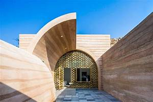 Cave House In Loess Plateau    Hypersity Architects