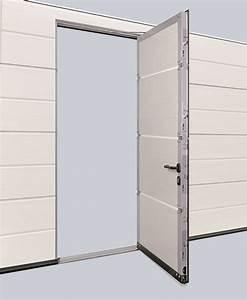 Porte sectionnelle isolee lpu 40 afc besancon for Porte de garage enroulable et pose vitre porte interieure