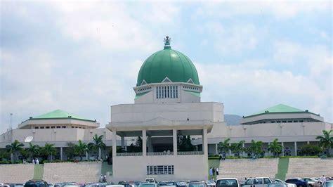 nigerians  court  stop nb  pay  nass