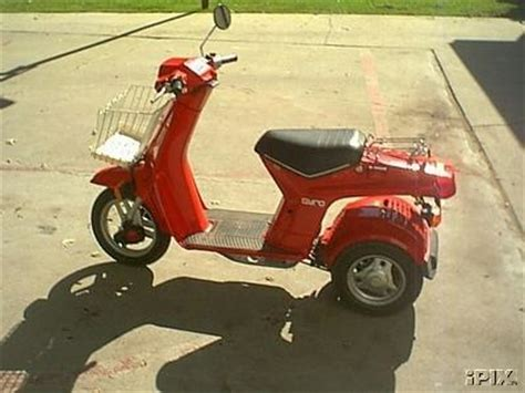 honda gyro red moped  moped army