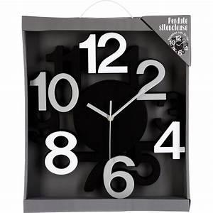 horloge murale silencieuse chiffres 3d noir maison futee With dessiner maison en 3d 16 horloges deco maison futee