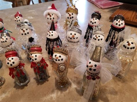 Elegant, sophisticated, classic, cool, announcements Pin by Gina Wallace on Snowman Arts & Crafts | Christmas card ornaments, Christmas decor diy ...