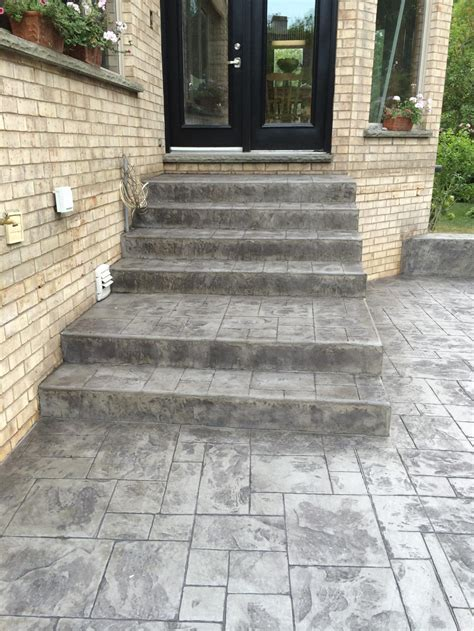 Thames Valley Decorative Concrete Inc.   Steps