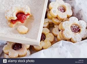 Kekse Mit Marmelade : tradi n esk v noce v no n cukrov lineck pe ivo traditionelle tschechische weihnachten ~ Markanthonyermac.com Haus und Dekorationen