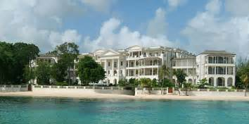 la maison de rihanna rihanna hires a 21 million beachside home in barbados for the holidays but will chris brown