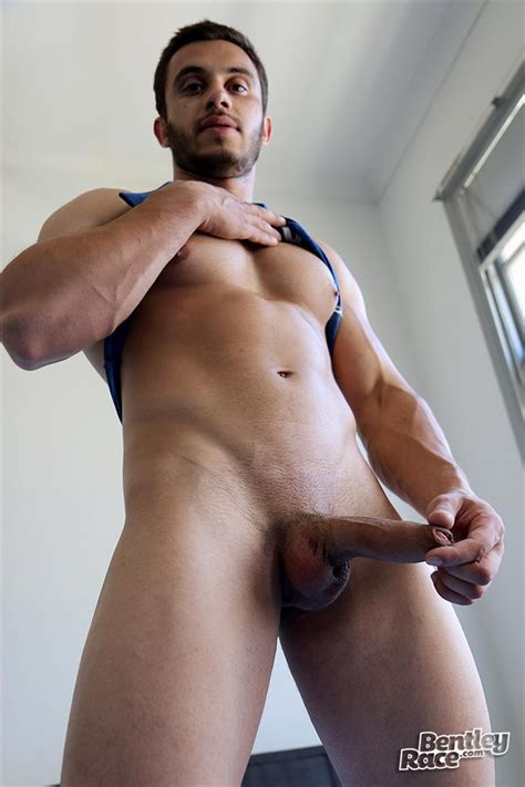 Straight Australian Beefy Muscular Guy Strokes His Thick Uncut Cock – Big Uncut Cock