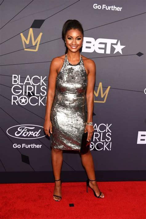 eboni  williams  shows black girls rock red carpet