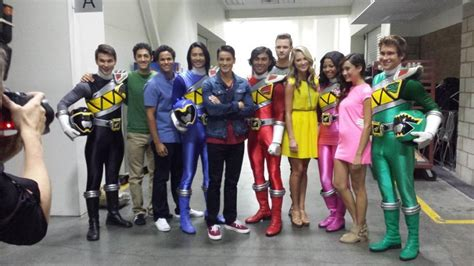 power rangers dino charge cast revealed at power morphicon oh no they didn t