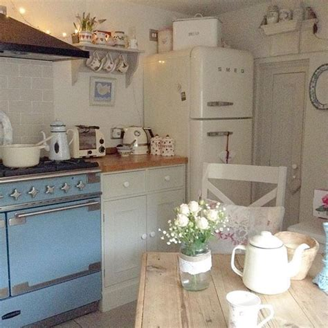 shabby chic cottage kitchen 25 best ideas about cottage interiors on 5140