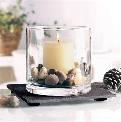 Gläser Für Kerzen by Kerze Und Kleine Steine Im Glas Deko Dekor