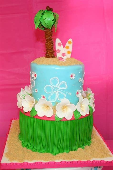 Hawaiian Cake Decorations by Hawaiian Luau Cake Got A Request For A Hawaiian Luau
