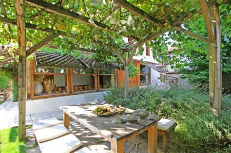 10 moyens d obtenir de l ombre au jardin jardinier conseil