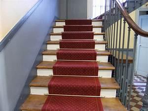 Tapis Escalier Saint Maclou : moquette traditionnelle tendue crlc ~ Nature-et-papiers.com Idées de Décoration
