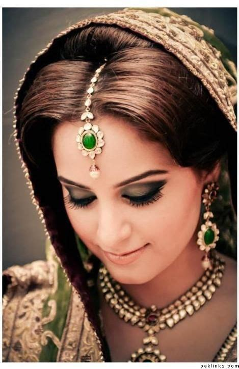 maang tikka hairstyle necklace indian bridal jewelry