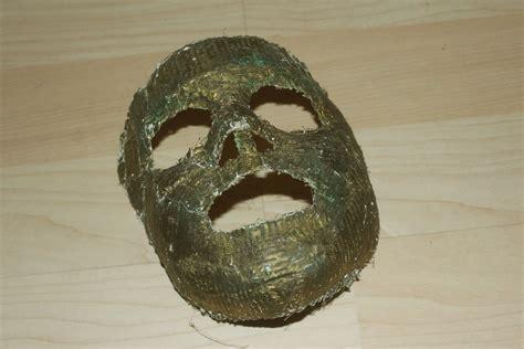 Fabrication De Masques En Plâtre