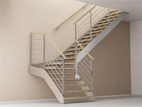 altezza ringhiera scala in acciaio rettilinea con gradini in legno bologna