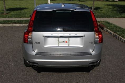 sell   volvo   wagon  owner clean carfax