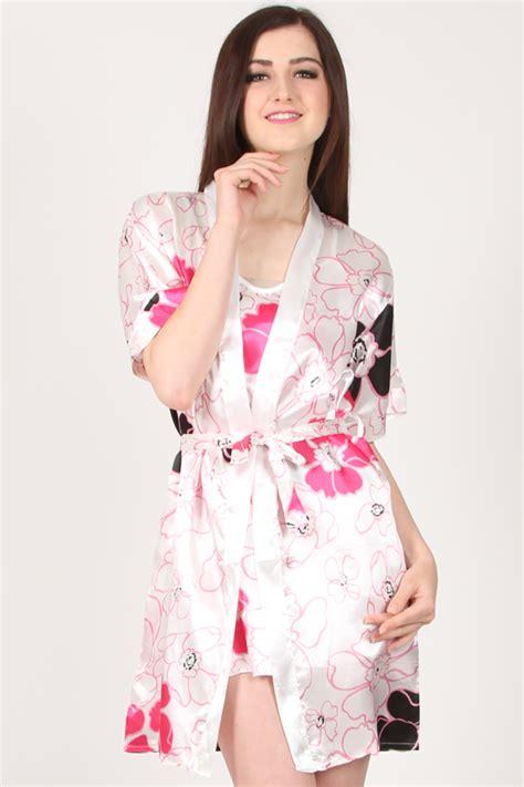 memilih baju yang bagus dan berkualitas rickath