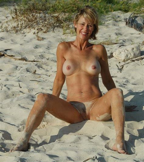 amateur nude mature wives and older woman 40 photos the fappening leaked nude celebs