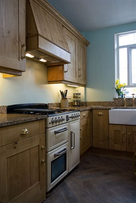 traditional oak kitchen lovewood kitchens