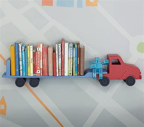 rangement livre chambre etagère camion pour chambre de garçon