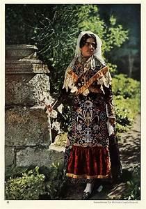 photos of ethnic in 1924 vintage everyday
