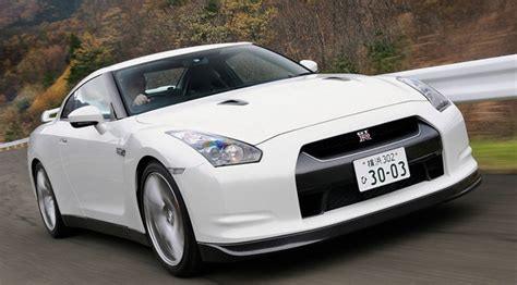 2010 Nissan Gtr 0 60 by 2010 Nissan Gt R Will Do 0 60 Mph In 3 9 Seconds Car