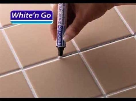 nettoyer les joints de carrelage au sol et mural astuces peintures murales et