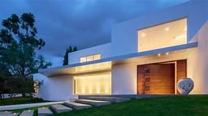 maison moderne avec porte d39entree pivotante en bois sur With porche d entree maison 10 maisons lg bois oregon