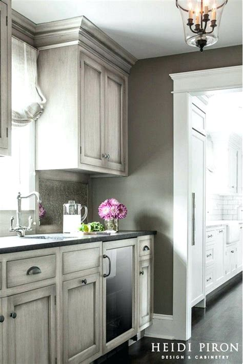 popular kitchen cabinet colors for 2014 kitchen cabinets colors and designs kitchen cabinet color 9151