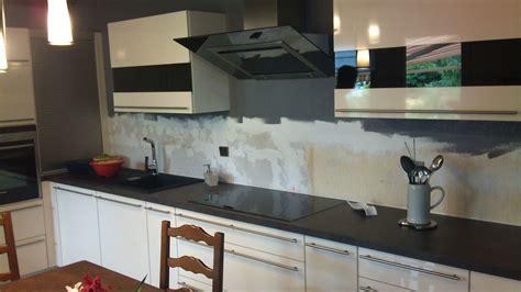 cr馘ence cuisine en verre design cr 233 dence en verre blanc et noir satin 233 avant et apr 232 s