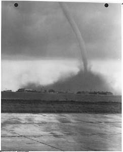 File Tornado  Scottsbluff  Nebraska  Airport