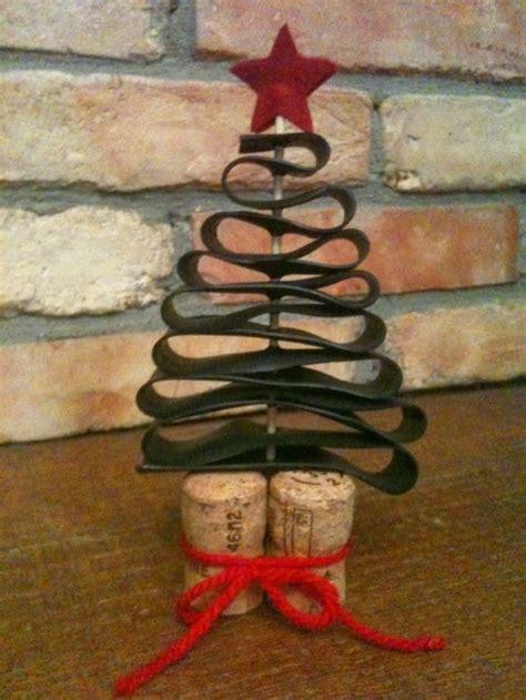 Segnaposto natalizi con tappi di sughero: l albero di Natale Foto Non sprecare
