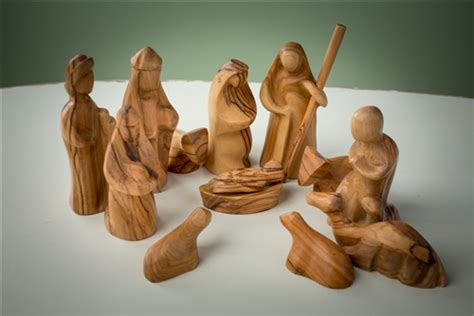finest olive wood christmas ornaments nativities