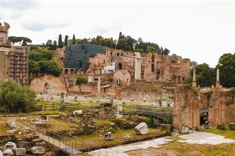 Roman Forum Visiting Information and History